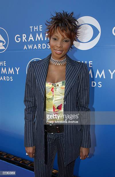 Mary J Blige at the 44th Annual Grammy Awards at the Staples Center in Los Angeles CA 2/27/2002 Photo by Frank Micelotta/ImageDirect