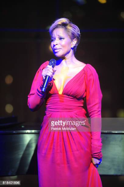 Mary J Blige attend The Seventh Annual WOMAN'S DAY RED DRESS AWARDS at Frederick P Rose Hall Jazz in Lincoln Center on February 10th 2010 in New York...