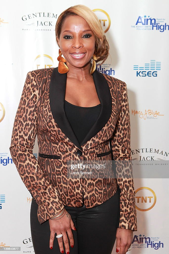 Mary J. Blige attends 10th Annual Kenny The Jet Smith NBA All-Star Bash, hosted by Mary J. Blige on February 24, 2012 in Orlando, Florida.