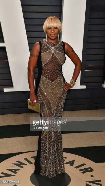 Mary J Blige attends the 2017 Vanity Fair Oscar Party Hosted by Graydon Carter at the Wallis Annenberg Center for the Performing Arts on February 26...