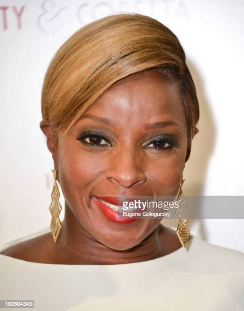 """Mary J. Blige attends the """"Betty & Coretta"""" premiere at Tribeca Cinemas on January 28, 2013 in New York City."""