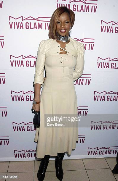 Mary J Blige attends the MAC Cosmetics Charity Party to support Aids in London in honour of Mary J Blige at The Criterion Restaurant on April 23 2002...