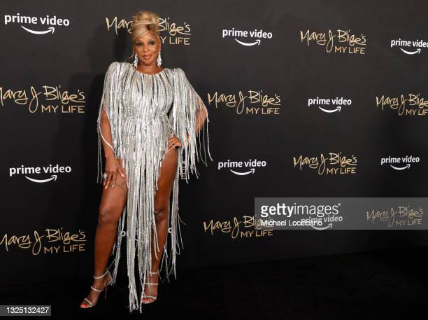 """Mary J. Blige attends the """"Mary J Blige's My Life"""" New York Premiere at Rose Theater, Jazz at Lincoln Center on June 23, 2021 in New York City."""