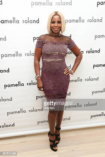 Mary J Blige attends the Pamella Roland fashion show during Spring 2016 New York Fashion Week at The Whitney Museum of American Art on September 11...