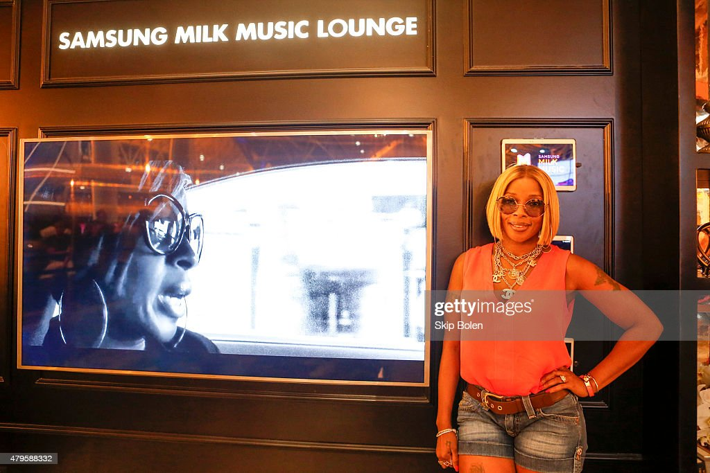 Mary J. Blige attends the Samsung Galaxy Experience at the ESSENCE Festival on July 5, 2015 in New Orleans, Louisiana.