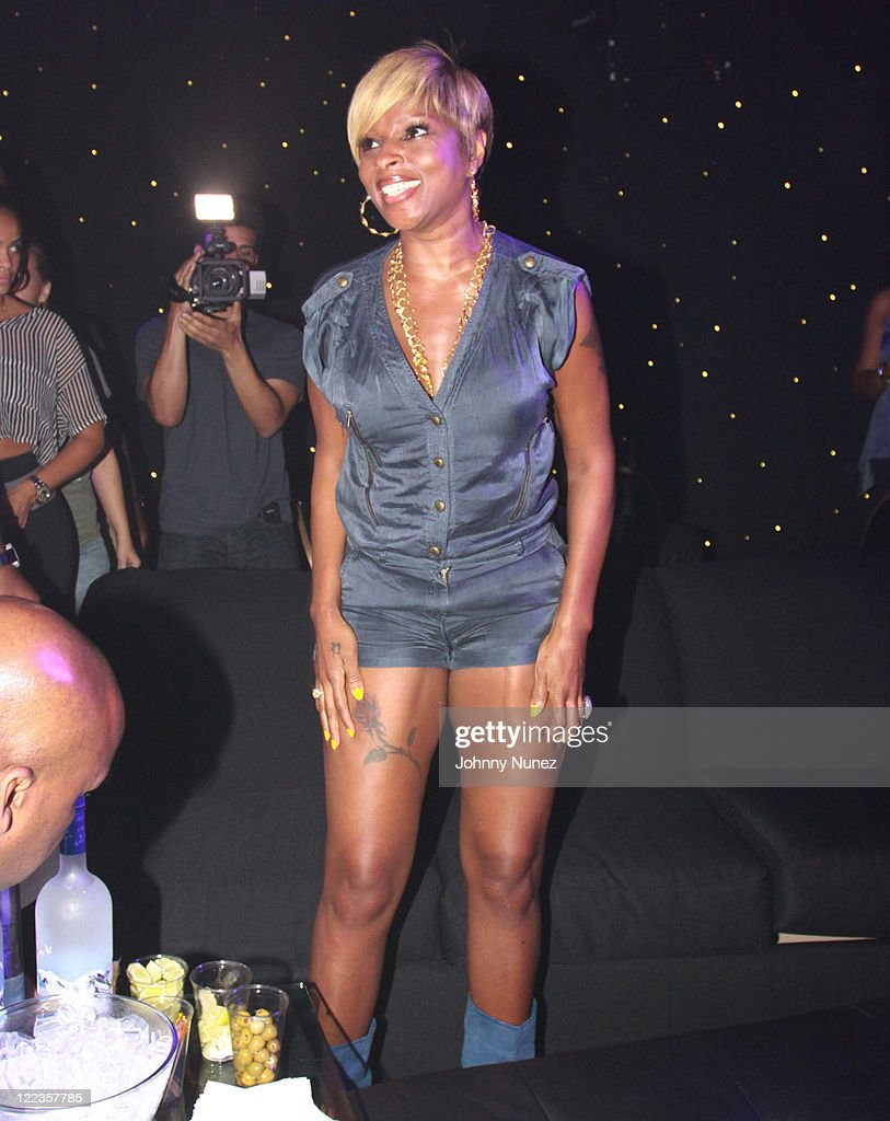 Mary J. Blige attends the Tom Joyner Foundation party at Harrah's Casino on July 3, 2010 in New Orleans, Louisiana.