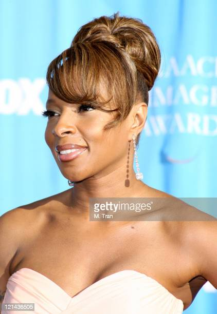 Mary J. Blige during 38th Annual NAACP Image Awards - Arrivals at Shrine Auditorium in Los Angeles, California, United States.