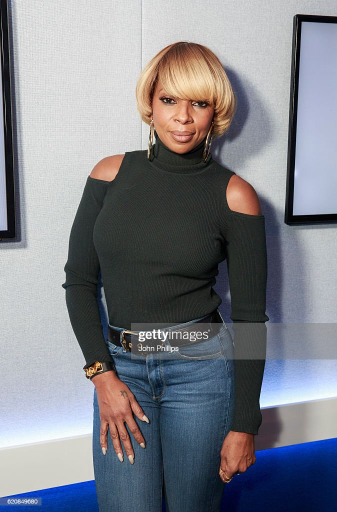 Mary J Blige Visits Magic FM