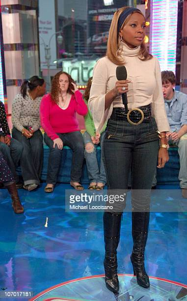 Mary J Blige during Mary J Blige Young Jeezy and Tyrese Visit MTV's 'TRL' December 12 2006 at MTV Studios Times Square in New York City New York...