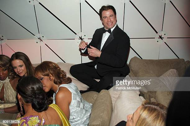 Mary J Blige Kelly Preston John Travolta Gayle King and Keisha Whitaker attend VANITY FAIR Oscar Party at Morton's on February 25 2007 in Los Angeles...