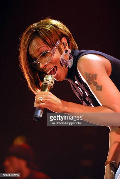 Mary J Blige performing on stage at Wembley Arena in London on the 23rd April 2002