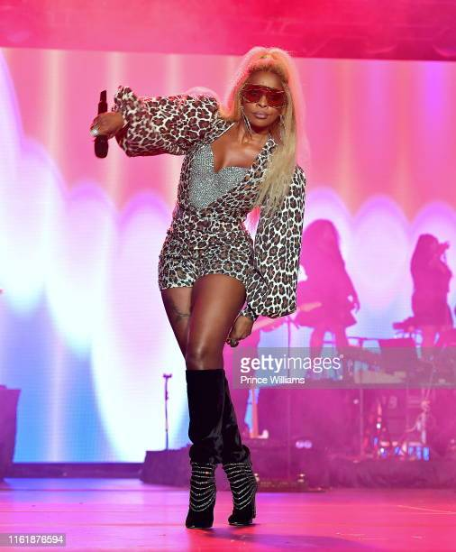 Mary J Blige performs at 2019 Essence Festival Day 2 at Ernest N Morial Convention Center on July 7 2019 in New Orleans Louisiana
