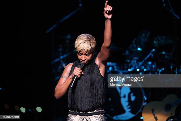 Mary J Blige performs at Chene Park on July 21 2010 in Detroit Michigan