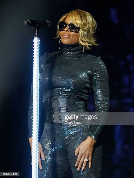 Mary J Blige performs at O2 Arena on November 2 2010 in London England