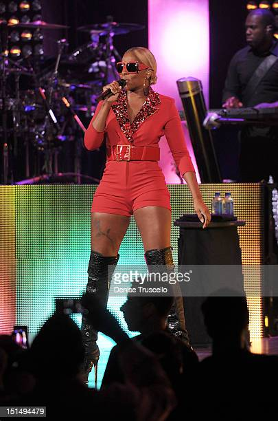 Mary J. Blige performs at Palms Hotel and Casino on September 7, 2012 in Las Vegas, Nevada.