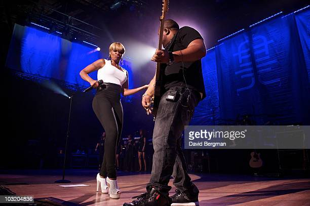 Mary J Blige performs at the 2010 Lilith Fair at Blossom Music Center on July 27 2010 in Cuyahoga Falls Ohio