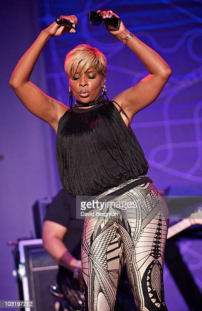 Mary J Blige performs at the 2010 Lilith Fair at Molson Amphitheatre on July 24 2010 in Toronto Ontario