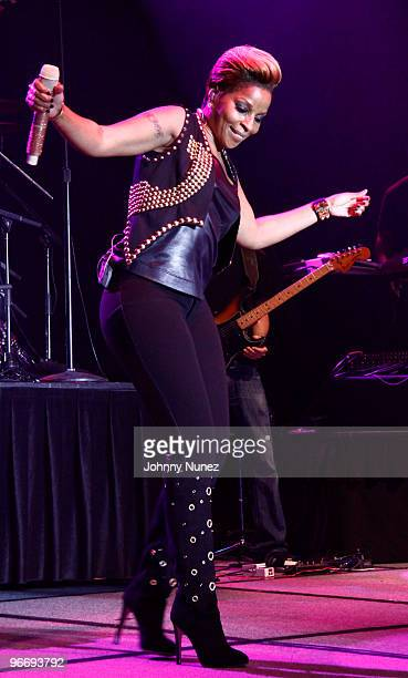 Mary J Blige performs at the NBA Players Association AllStar Gala on February 13 2010 in Dallas Texas