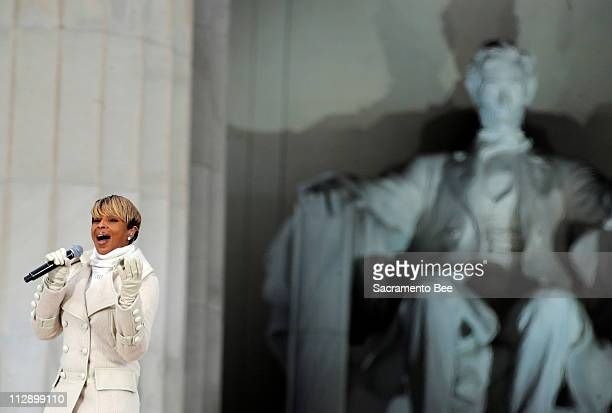 Mary J Blige performs at the Obama Inauguration Celebration on the steps of the Lincoln Memorial in Washington DC Sunday January 18 2009