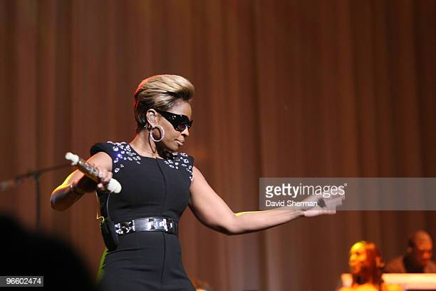 Mary J Blige performs during a NBA TipOff Party as part of the 2010 NBA AllStar Weekend on February 11 2010 at the Majestic Theater in Dallas Texas...