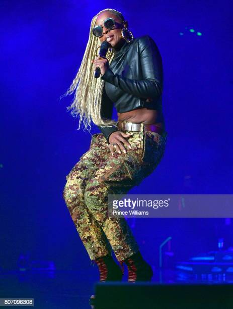 Mary J Blige performs during the 2017 ESSENCE Festival Presented by Coca Cola at the MercedesBenz Superdome on July 1 2017 in New Orleans Louisiana