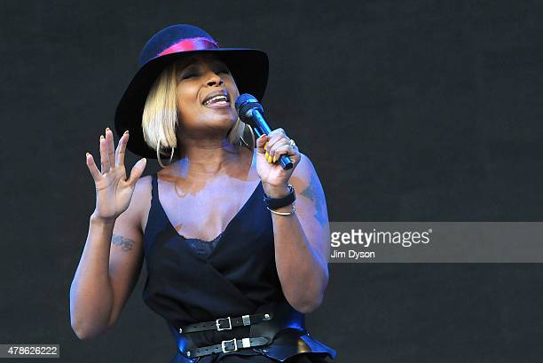 Mary J Blige performs live on the Pyramid stage during the first day of the Glastonbury Festival at Worthy Farm, Pilton on June 26, 2015 in...