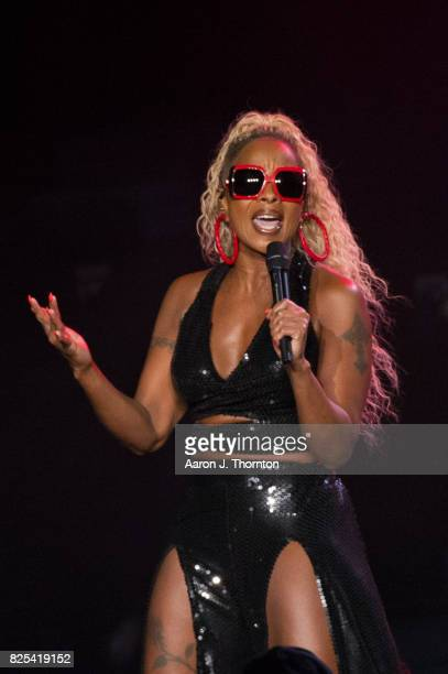 Mary J Blige performs on stage at Michigan Lottery Amphitheatre on August 1 2017 in Sterling Heights Michigan