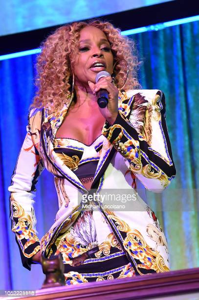 Mary J Blige performs on stage during The TJ Martell Foundation 43rd New York Honors Gala at Cipriani 42nd Street on October 15 2018 in New York City
