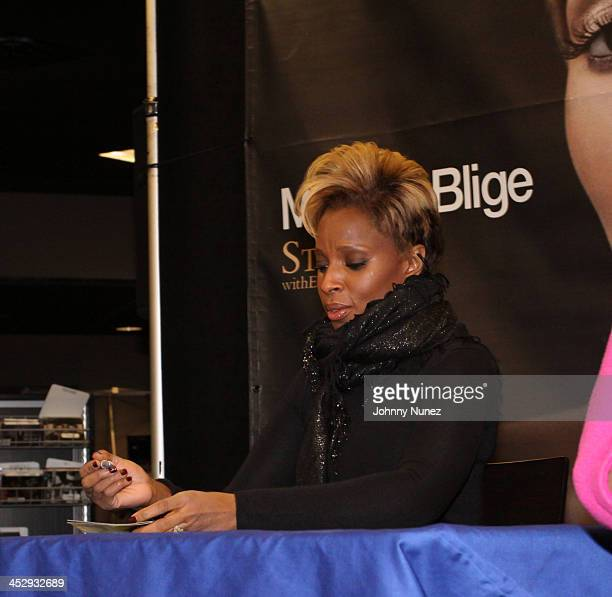 Mary J Blige promotes Stronger With Each Tear at Best Buy on December 22 2009 in New York City