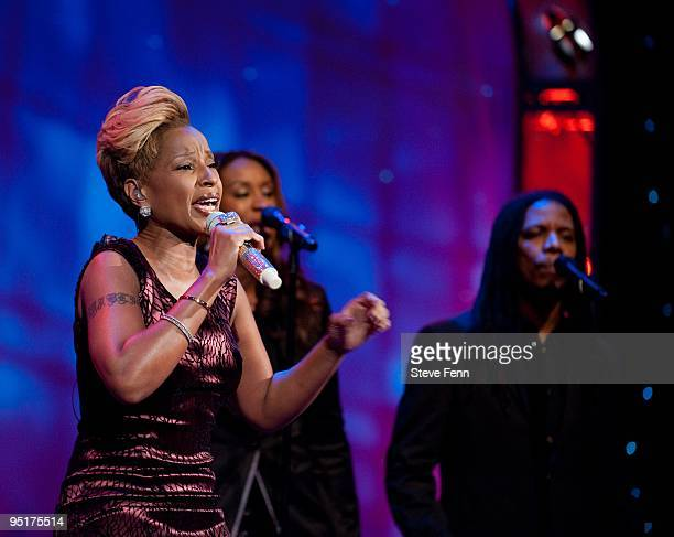 THE VIEW Mary J Blige was the musical guest on 'THE VIEW' Wednesday Dec 23 2009 on the ABC Television Network MARY