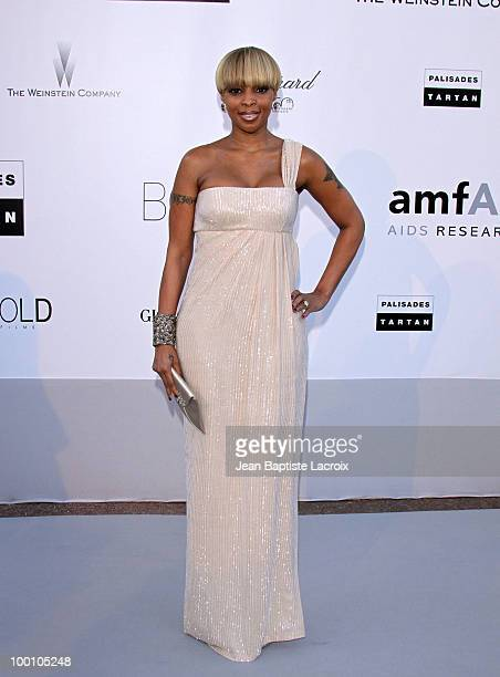 Mary JBlige arrives at amfAR's Cinema Against AIDS 2010 benefit gala at the Hotel du Cap on May 20 2010 in Cannes France