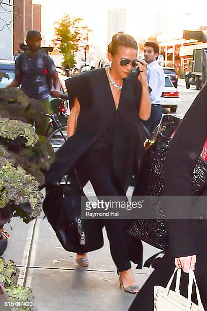 Mary Kate and Ashley are seen walking in Soho on October 19 2016 in New York City