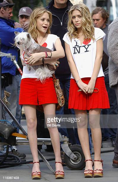 Mary Kate Olsen and Ashley Olsen during New York Minute on Location in New York City October 6 2003 at New York City in New York NY United States