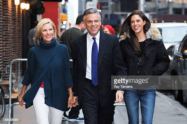 Mary Kaye Huntsman 2012 Republican Presidential Candidate Jon Huntsman and Abby Huntsman enter the 'Late Show With David Letterman' taping at the Ed...