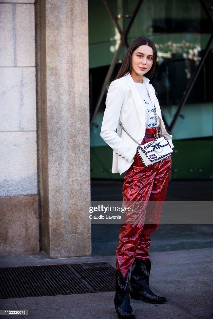 Street Style - Day 5: Milan Fashion Week Autumn/Winter 2019/20 : News Photo