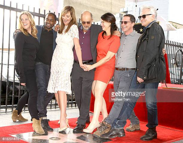 Mary McCormack Dule Hill Allison Janney Richard Schiff Melissa Fitzgerald Joshua Malina and Bradley Whitford attend the ceremony honoring Allison...
