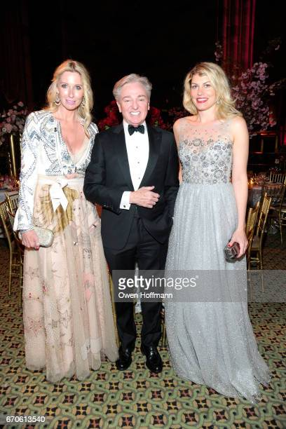 Mary Snow Geoffrey Bradfield and Meredith Ostrom attend LNHN Honours Geoffrey Bradfield and John Manice at Cipriani 42nd Street on April 18 2017 in...