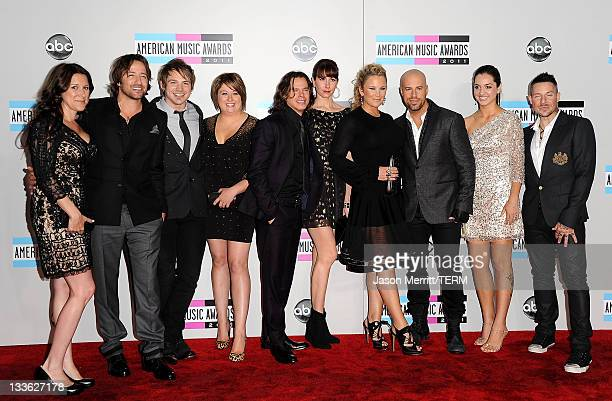 Mary Steely musician Josh Steely of Daughtry musician Brian Craddock of Daughtry Holli Craddock musician Robin Diaz of Daughtry Lisa Diaz Deanna...