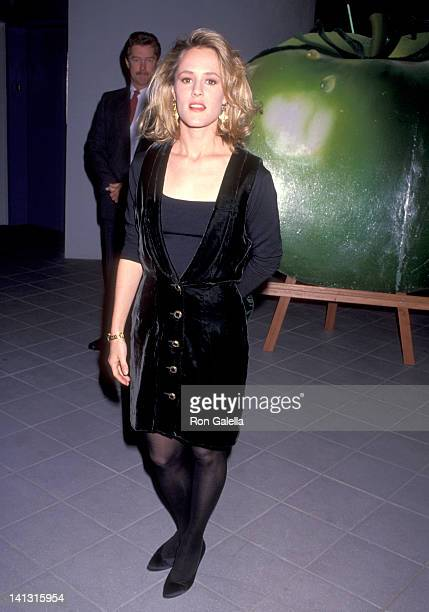 Mary Stuart Masterson at the Premiere of 'Fried Green Tomatoes' Galaxy Theatre Hollywood