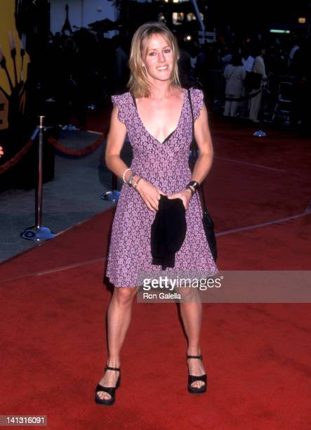 Mary Stuart Masterson at the Premiere of 'Mystery Men' Cineplex Odeon Cinemas Universal City