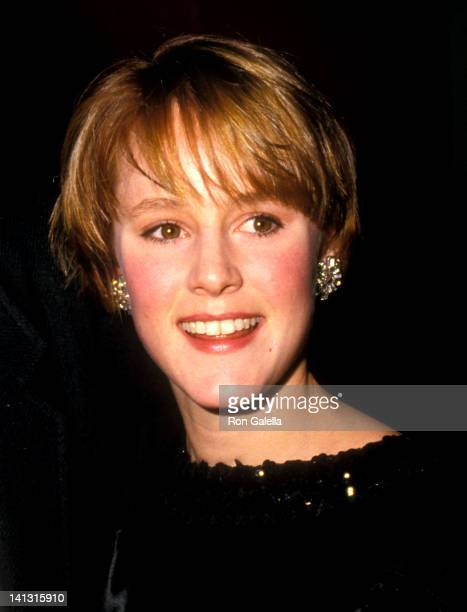 Mary Stuart Masterson at the Premiere of 'Some Kind of Wonderful' Mann's Chinese Theatre Hollywood