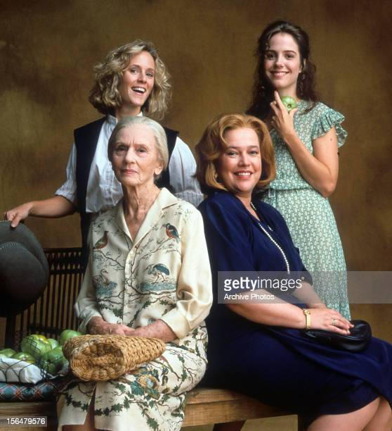Mary Stuart Masterson Jessica Tandy Kathy Bates and MaryLouise Parker publicity portrait for the film 'Fried Green Tomatoes' 1991
