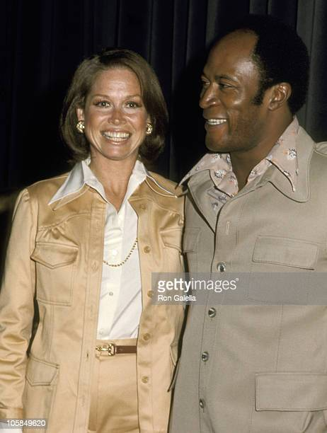 Mary Tyler Moore and John Amos during Publicists Guild of America Awards at Beverly Wilshire Hotel in Beverly Hills California United States
