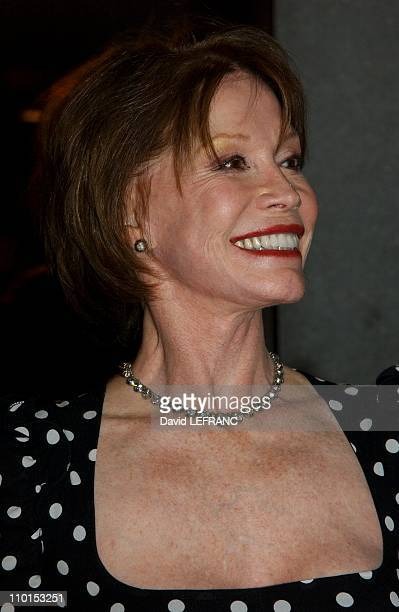 Mary Tyler Moore at the Museum of Modern Art for 'A Work in Progress An evening with David Russell' in New York United States on April 10 2002 A work...