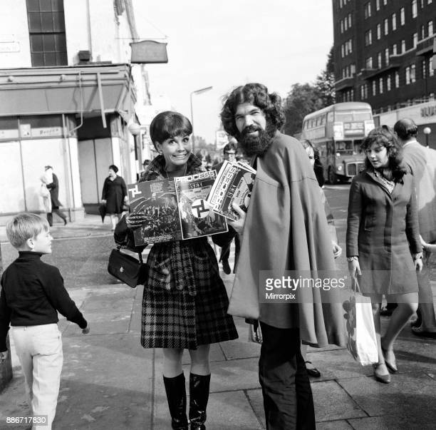 Mary Tyler Moore star of 'The Dick Van Dyke Show' walking down Kings Road Chelsea London She was stopped by a magazine seller Mary is in London for...