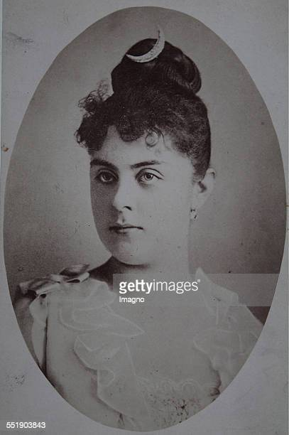 Mary Vetsera the mistress of Crown Prince Rudolf of AustriaHungary Brisket Oval 1888 photograph of the studio door Vienna