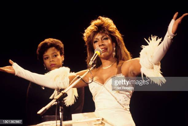 Mary Wilson of The Supremes and Florence Ballard's daughter Lisa Chapman Ballard at the 1988 Rock & Roll Hall Of Fame awards ceremony at the Waldorf...