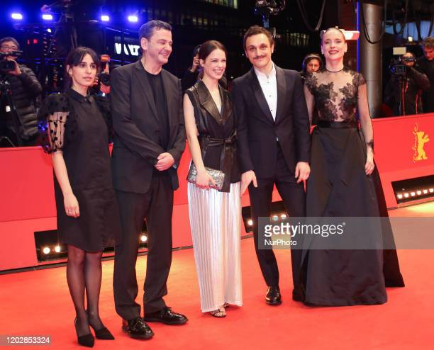 Maryam Zaree director Christian Petzold Paula Beer Franz Rogowski and Anne RattePolle pose at the quotUndinequot premiere during the 70th Berlinale...