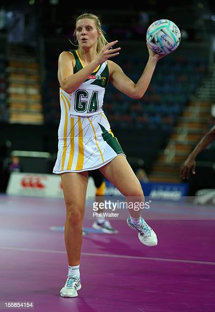 Maryka Holtzhausen of South Africa looks to pass in the match between Jamaica and South Africa during day one of the Fast5 Netball World Series at...