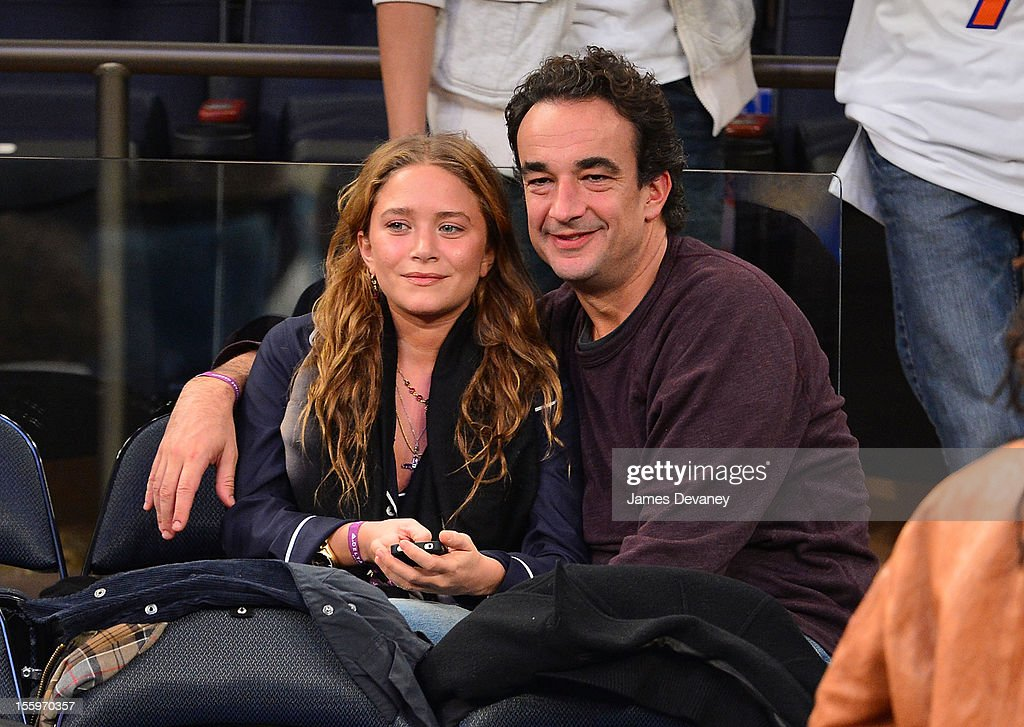 Celebrities Attend The Dallas Mavericks Vs The New York Knicks Game : News Photo